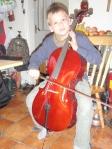 Spille cello